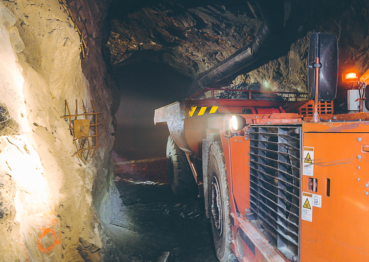 NewcoUSA_Mining_shuttlecar_754x535